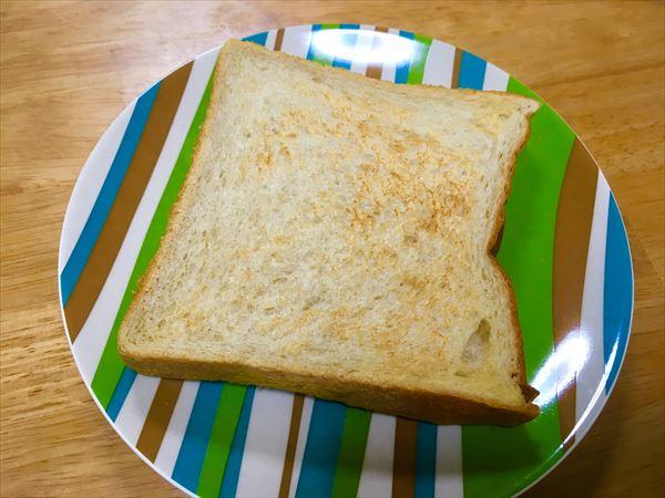焼きたてトースト